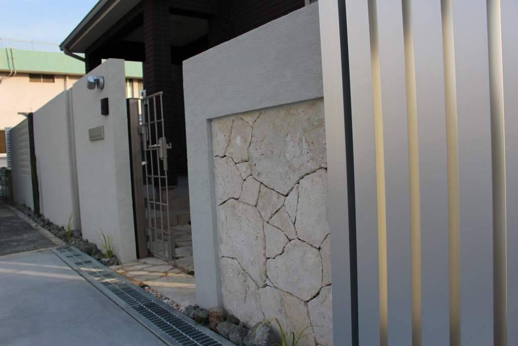 ブロック塀 石張り