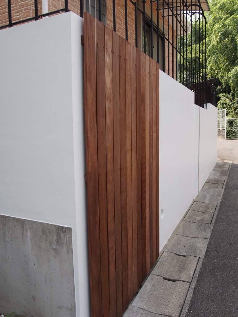 ブロック塀 木