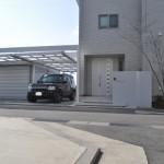 和泉市_白を基調としたミドリのある外構。